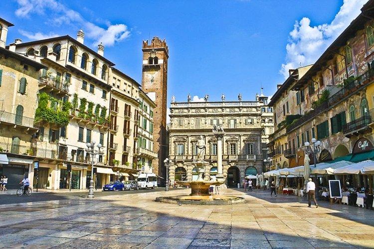 Verona Erbe Meydanı